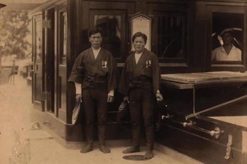 Японцы-джанрикши, спасшие цесаревича от угрожавшей ему опасности при покушении в городе Оцу