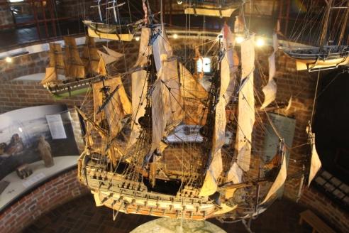 Модель когга в музее Голштинских ворот в Любеке