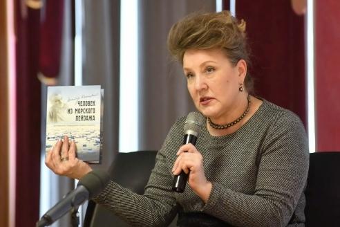 Т. Акулова-Конецкая на встрече с читателями в Норильске