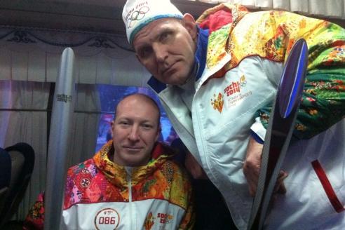 Факелоносцы: А. Лебедев с А. Карелиным Эстафета олимпийского огня Сочи-2014