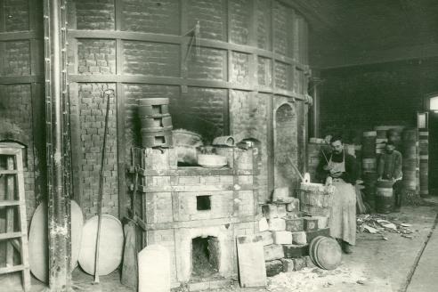 Цех Императорского фарфорового завода, 1913 г.
