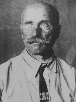 Илья Лизюков, сельский учитель