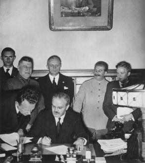 Пакт Молотова-Риббентропа. 23 августа 1939 г.