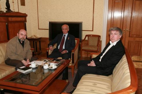 """С главным редактором журнала """"Мужская работа"""" Б.Абдуллаевым и А.Мелешко, 2010 г."""